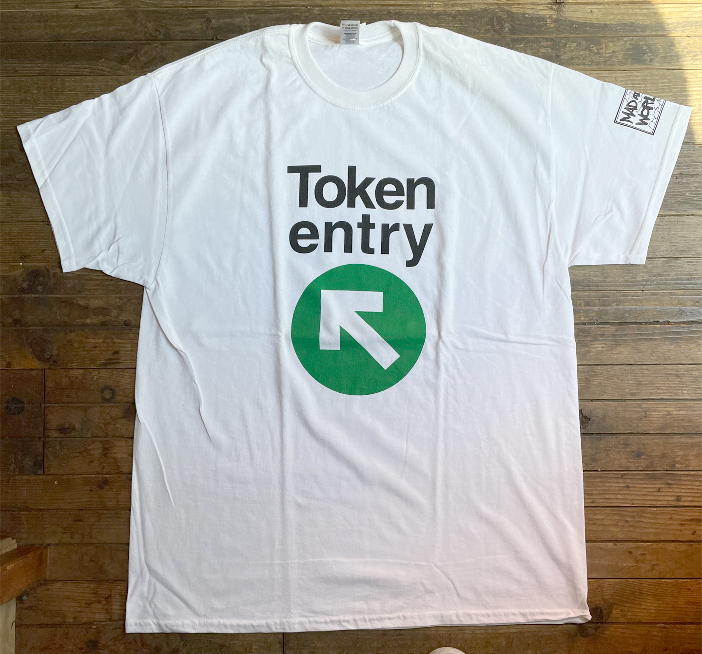 TOKEN ENTRY Tシャツ 矢印 OFFICIAL!