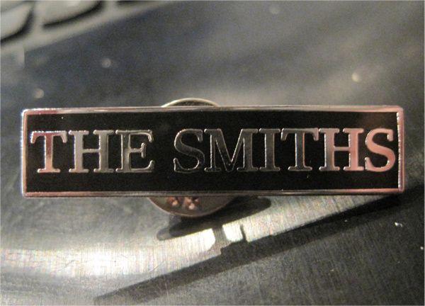 THE SMITHS ピンバッジ LOGO