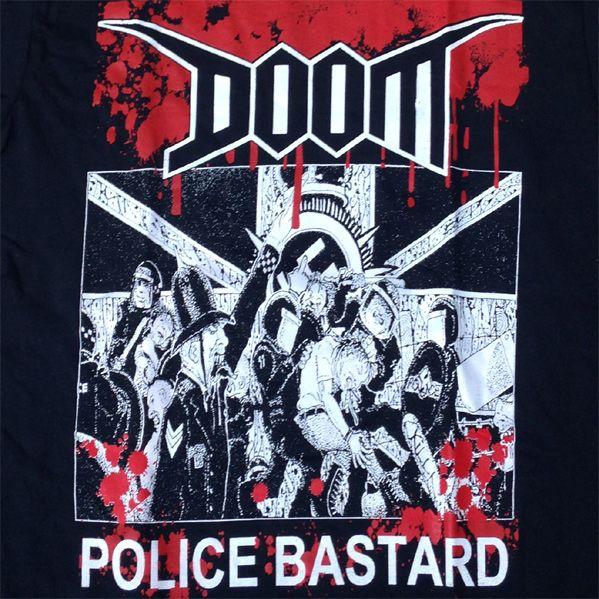 DOOM Tシャツ POLICE BASTARD 2COLORS