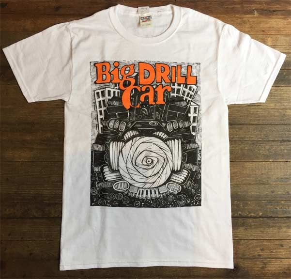 BIG DRILL CAR Tシャツ STILL ON THE COUCH OFFICIAL!