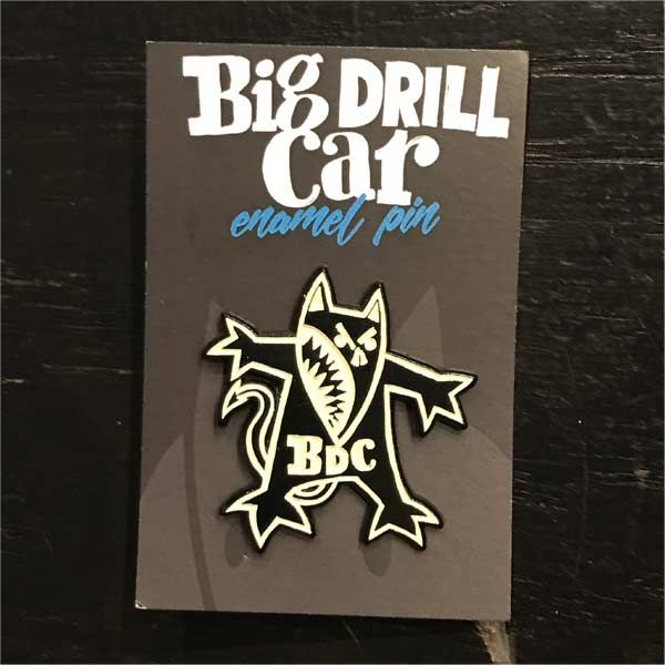 BIG DRILL CAR ピンバッジ OFFICIAL