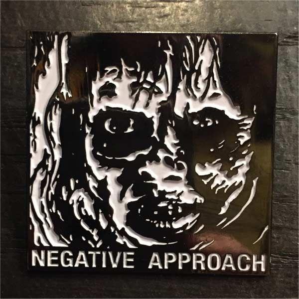 NEGATIVE APPROACH ピンバッジ