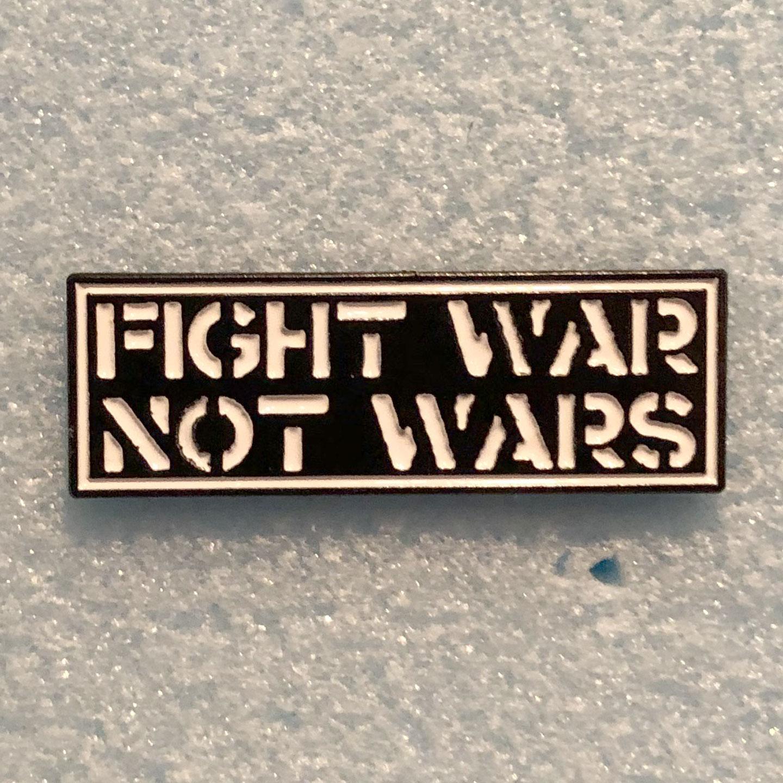 CRASS ピンバッジ FIGHT WAR NOT WAR
