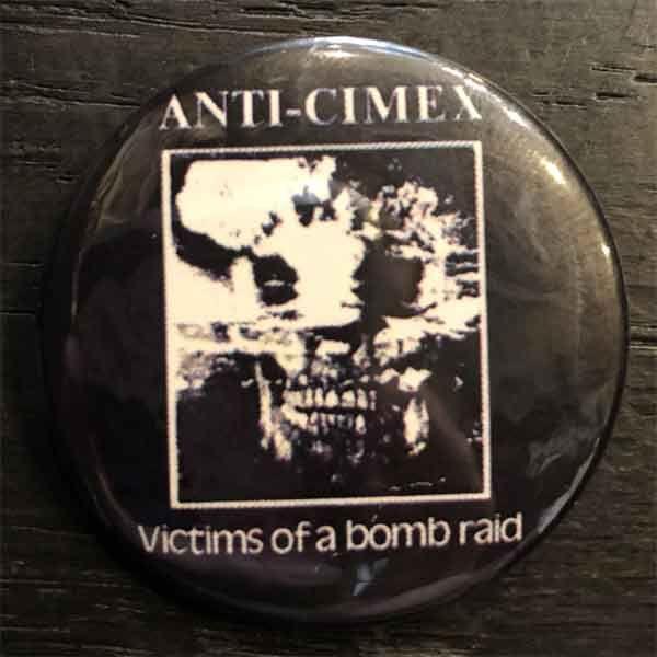 ANTI CIMEX バッジ VICTIMS OF A BOMB RAID
