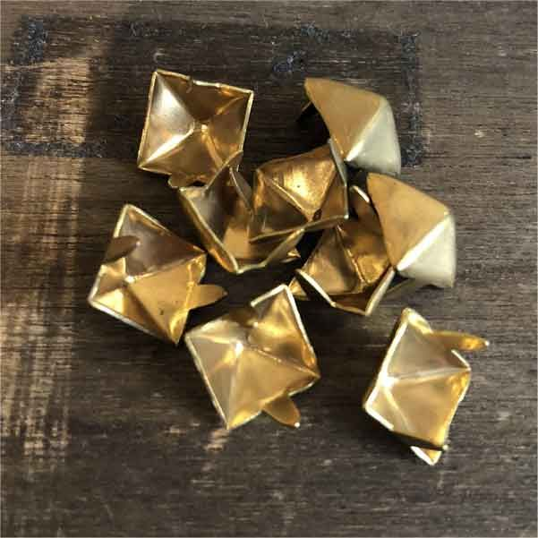 STUDS PYRAMID brass 50発SET