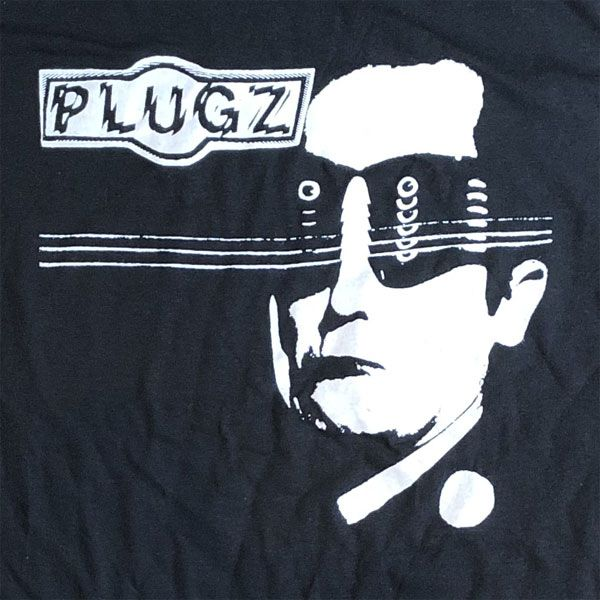 PLUGZ Tシャツ