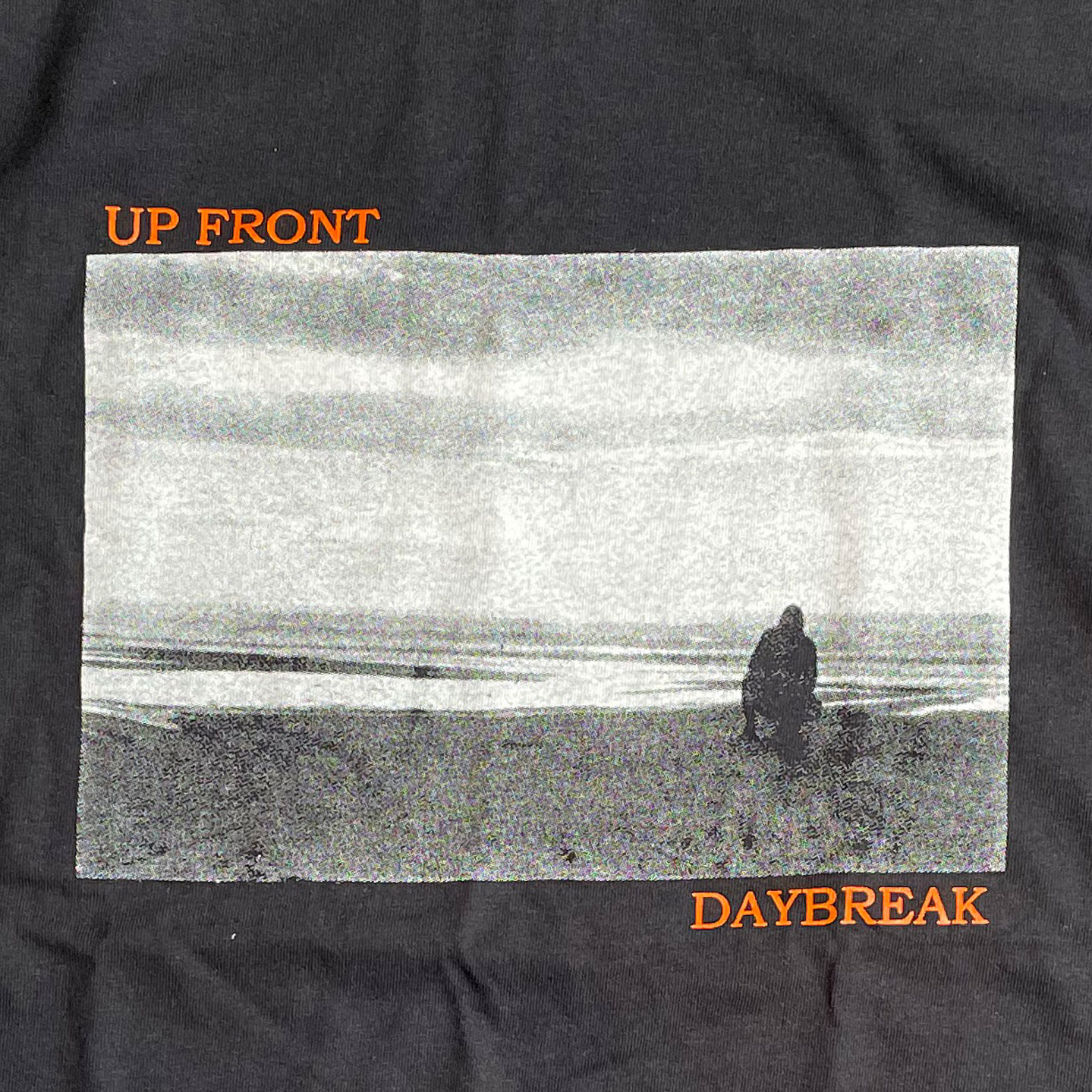UP FRONT Tシャツ DAYBREAK オフィシャル!