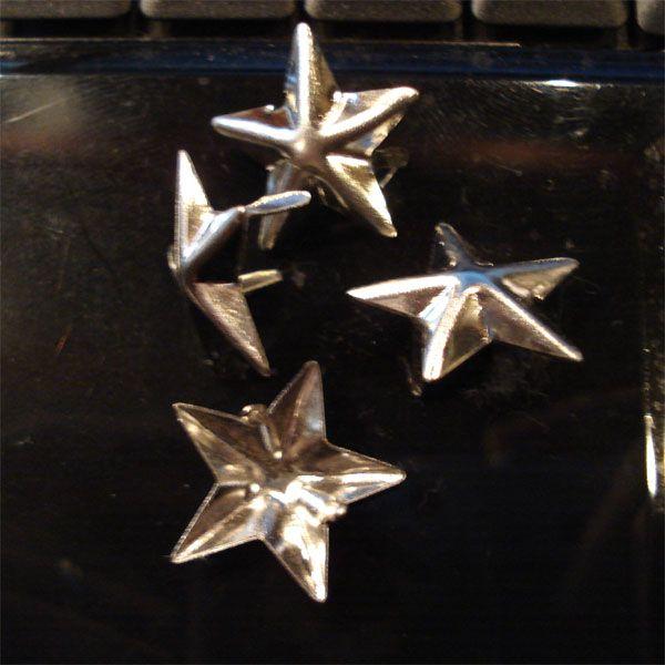STUDS 星